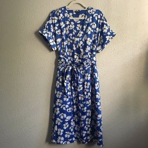 WHO WHAT WEAR blue and white flowered dress
